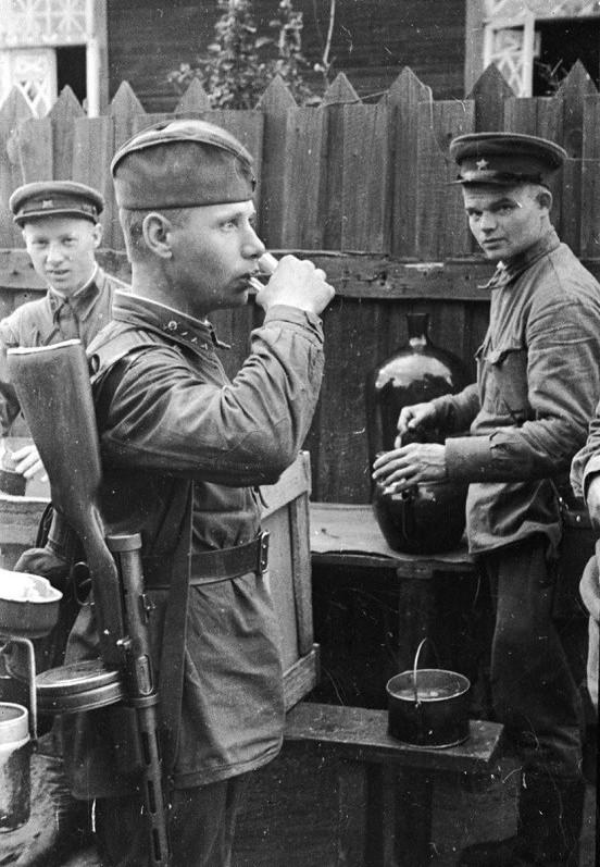 Фронтовые 100 граммов старшего сержанта РККА